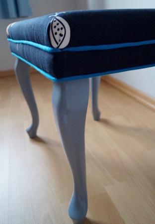 Unikatowa Pufka z Obwolutą Vintage Styl Skandynawski
